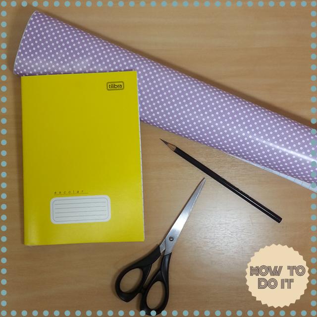 Caderno e lápis customizados